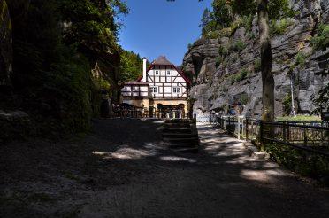 Wolfsschlucht, Kahnfahrt und missglückter Museumsbesuch